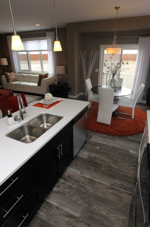 BORIS MINKEVICH / WINNIPEG FREE PRESS NEW HOMES- 331 Stan Bailie Drive. Kitchen. April 18, 2016