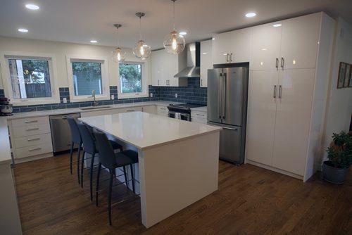 JOE BRYKSA / WINNIPEG FREE PRESS3 Mowhawk Bay-Kitchen  -Oct 03, 2017 -( See Todd Lewys story)