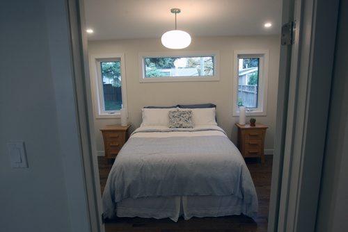 JOE BRYKSA / WINNIPEG FREE PRESS3 Mowhawk Bay - Master bedroom-Oct 03, 2017 -( See Todd Lewys story)