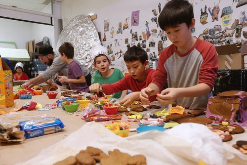 JOHN WOODS / WINNIPEG FREE PRESS Children make haunted gingerbread houses at Art City in Winnipeg Monday, October 23, 2017.