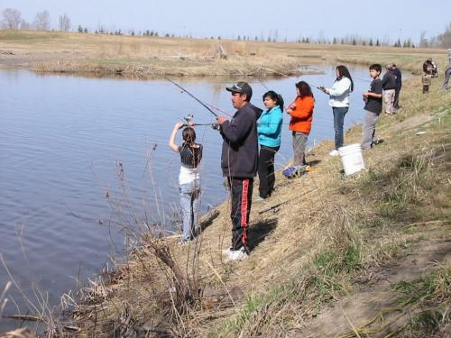 Aboriginal people fishing images for Videos of people fishing