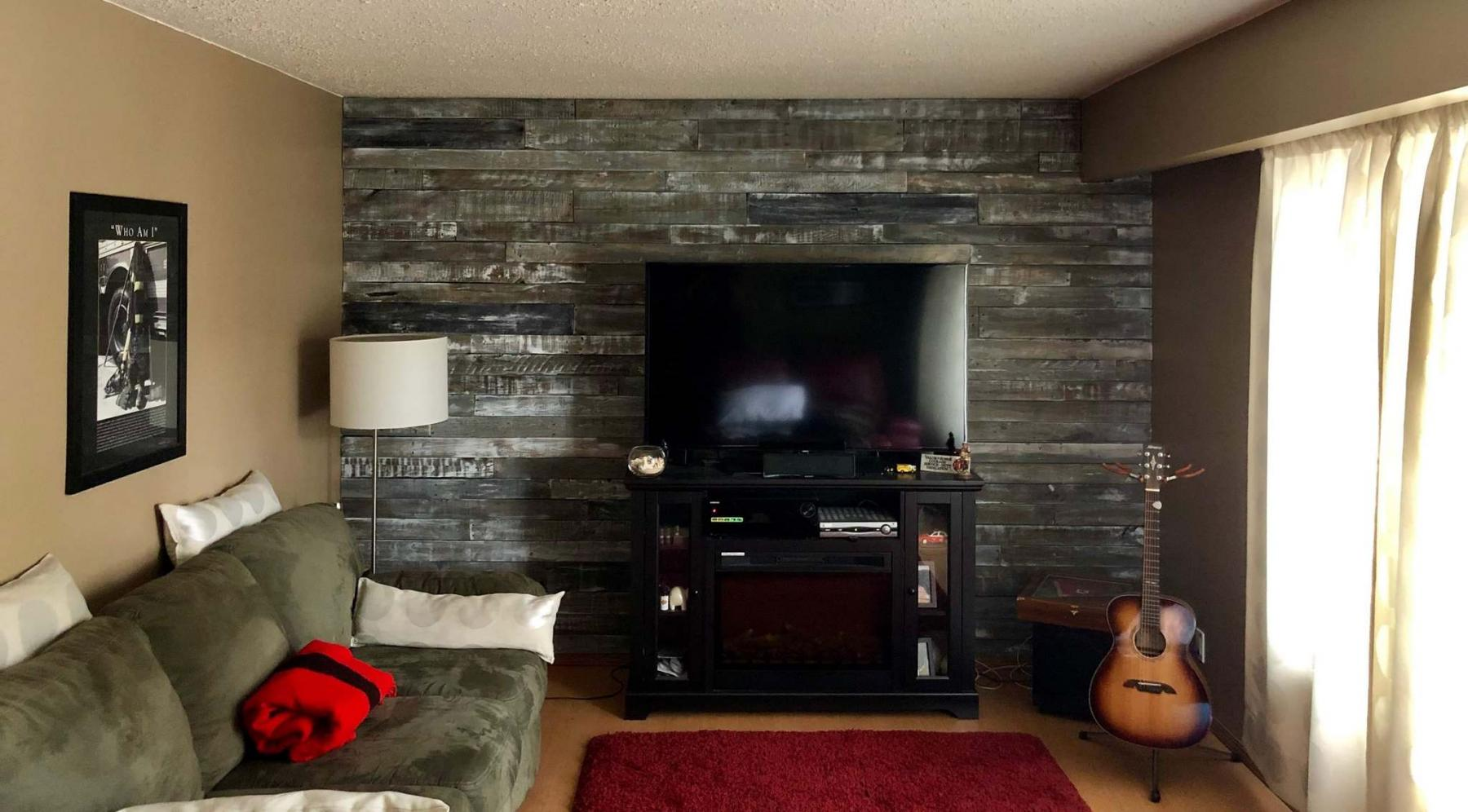 <p>Supplied</p><p>A wall made from reclaimed wooden pallets by Winnipegger Alan Sirtonski, whose company Reclaim Your Room specializes in that material.</p></p>