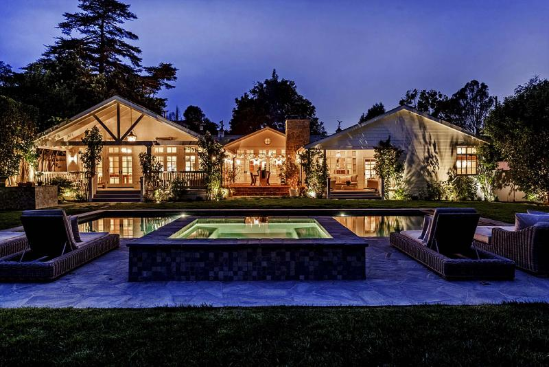 <p>David Tamburo</p><p>Actor Michael Chiklis sold his updated and expanded home in Los Angeles' Sherman Oaks neighbourhood for US$4.778 million. The four-bedroom house features beamed ceilings, French doors and a wealth of indoor-outdoor living space.</p>