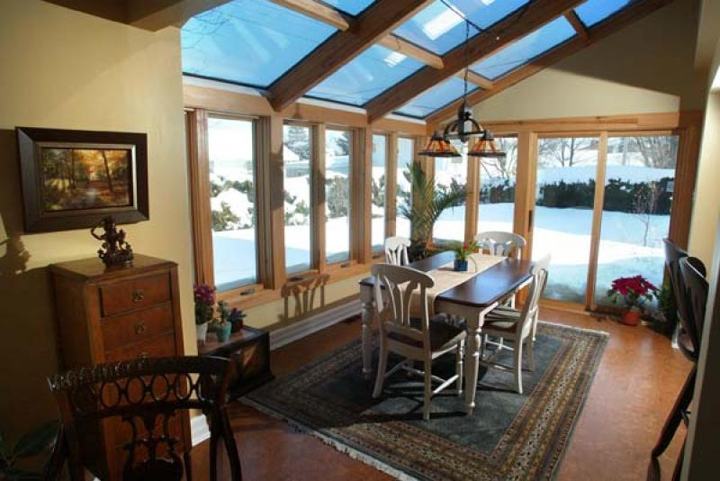 Pick a sunroom design that fits your home winnipeg free for Interior decor winnipeg