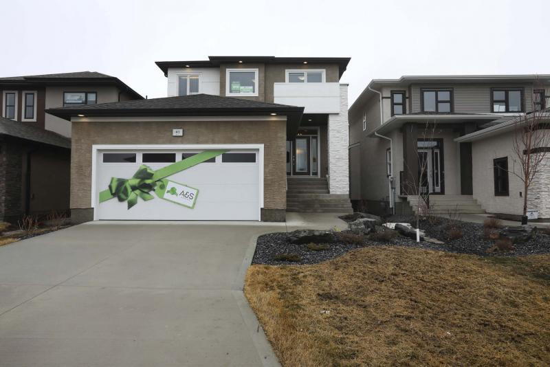 <p>The Canmore II at 41 Liba way has an attached double garage and is ready for occupancy. (Photos by Ruth Bonneville / Winnipeg Free Press)</p>