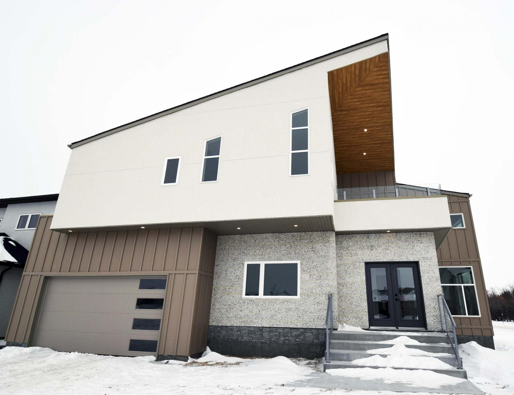 <p>Todd Lewys / Winnipeg Free Press</p><p>The home's eye-catching exterior is a preview to its creative design.</p>