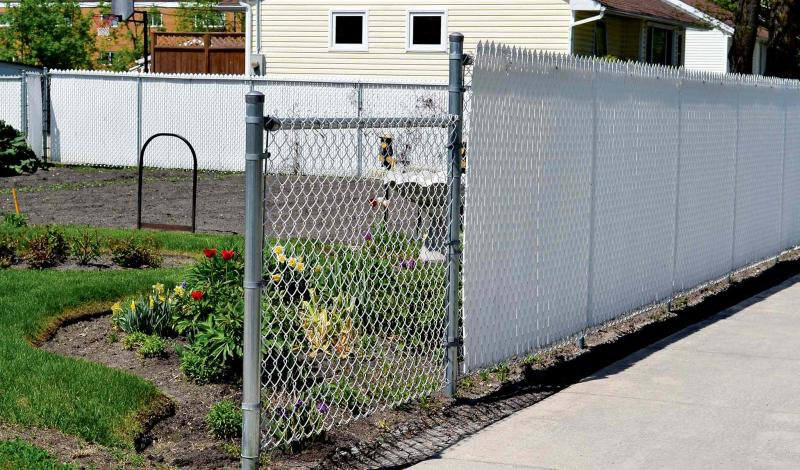 Reader feedback on fencing options - Winnipeg Free Press Homes