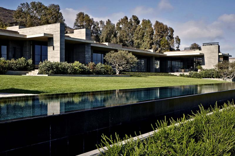 <p>Steve Shaw / TNS</p><p>Billionaire and NHL franchise owner Daryl Katz paid US$85 million for the Malibu estate of Los Angeles real estate agent Kurt Rappaport. It's tied with David Geffen's former compound for the most expensive home sale in Malibu history.</p>