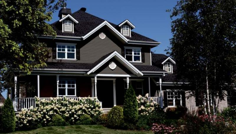 Renovations selecting the right siding winnipeg free for Homes pictures