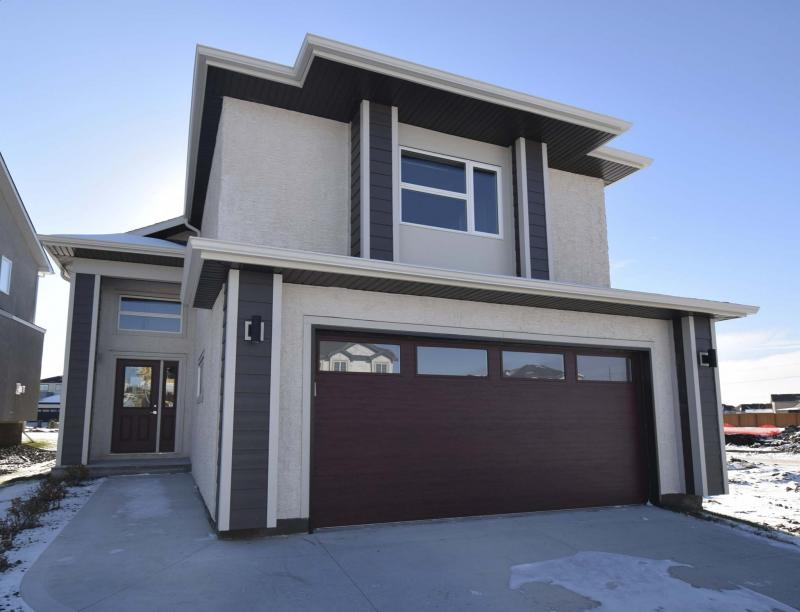 <p>The cab-over style Luna by Hilton Homes on 359 Bonaventure Dr. W.</p>