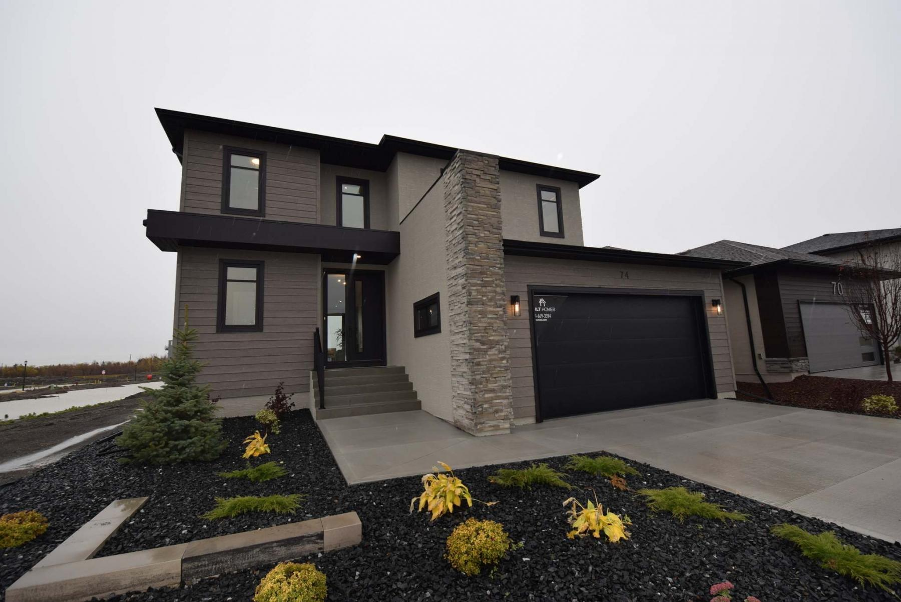 <p>Photos by Todd Lewys / Winnipeg Free Press</p><p>Jason Arlt of Arlt Homes says 74 Tanager Trail, with a different play on a typical great-room layout inside, turned out even better than planned.</p>