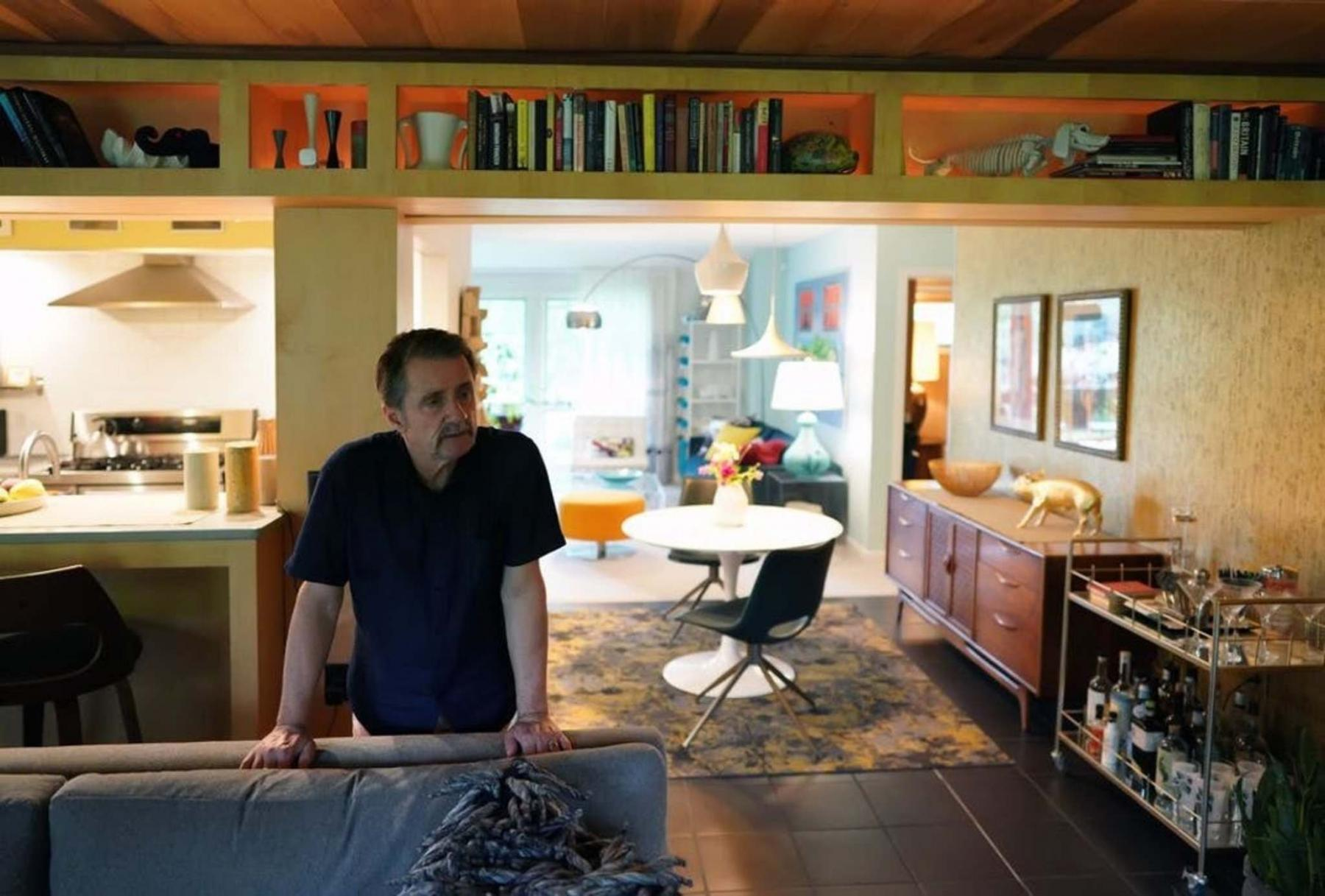 <p>Interior designer Cy Winship had always wanted a mid-century modern house and found what he was looking for in Minnesota. </p>