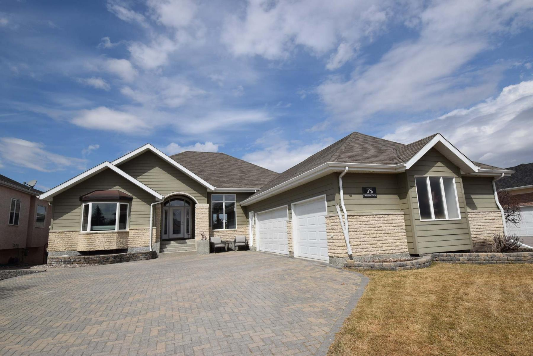 <p>Photos by Todd Lewys / Winnipeg Free Press</p><p>No expense was spared in the design and construction of this stylish bungalow, which was custom-built by Character Homes in 2004.</p></p>