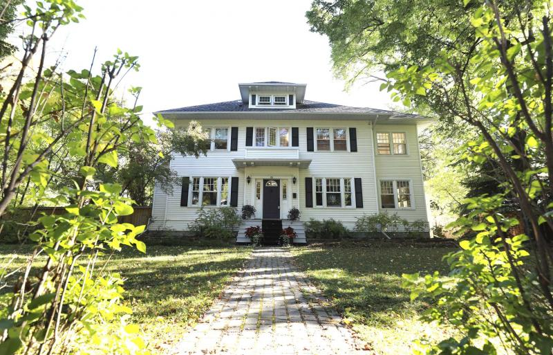 <p>RUTH BONNEVILLE / WINNIPEG FREE PRESS</p><p>On the outside, 85 Harrow St. looks like your typical turn-of-the-century Crescentwood abode.</p>