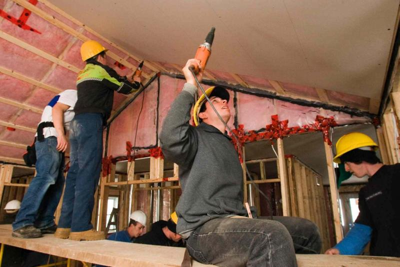 ask the inspector more is better with drywall screws winnipeg free press homes. Black Bedroom Furniture Sets. Home Design Ideas