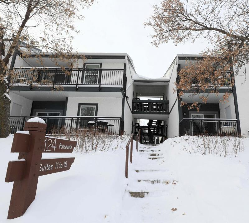 This 1,018-square-foot condominium in Tuxedo is at an attractive price point for those looking to downsize or buy their first property. (Ruth Bonneville photos / Winnipeg Free Press)