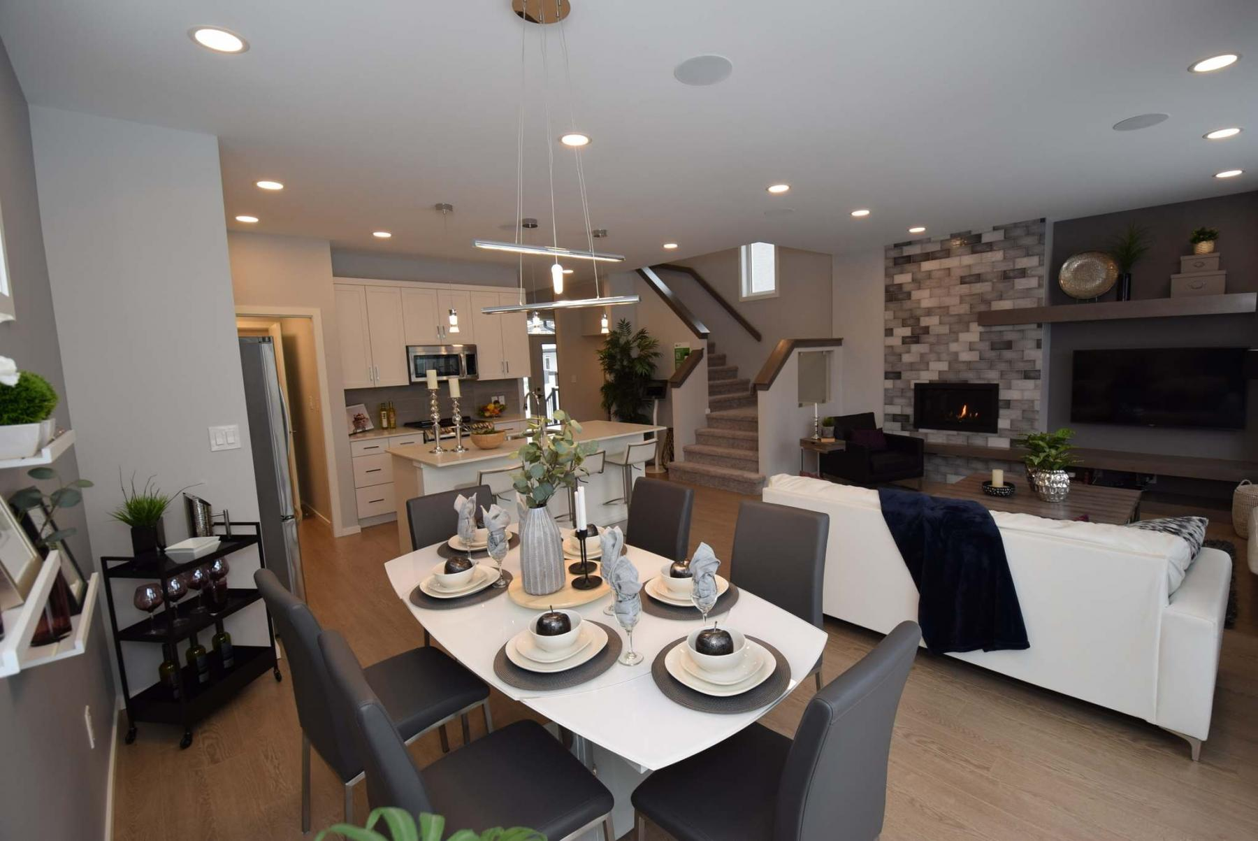 <p>The spacious dining area opens perfectly onto the kitchen and family room.</p>