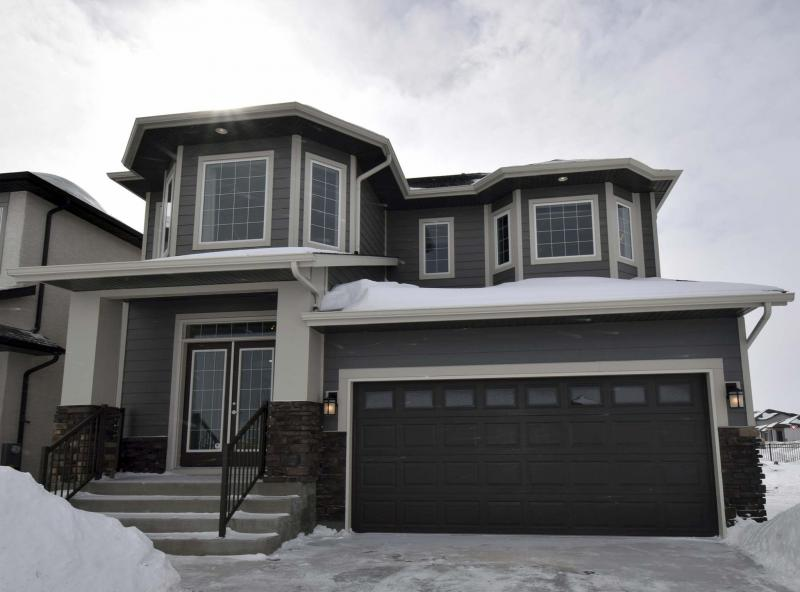 <p>Todd Lewys / Winnipeg Free Press</p><p>The home's exterior is just as stylish as the interior.</p>