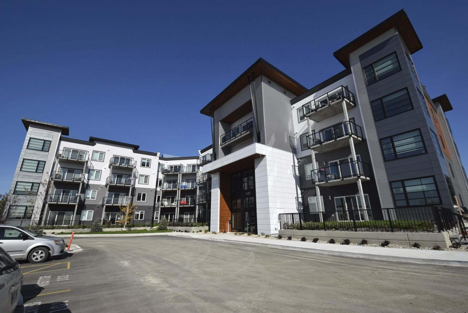 <p>PHOTOS BY TODD LEWYS / WINNIPEG FREE PRESS</p><p>The second phase of the three-phase apartment community is already 62 per cent rented and set to open in fall 2020.</p>