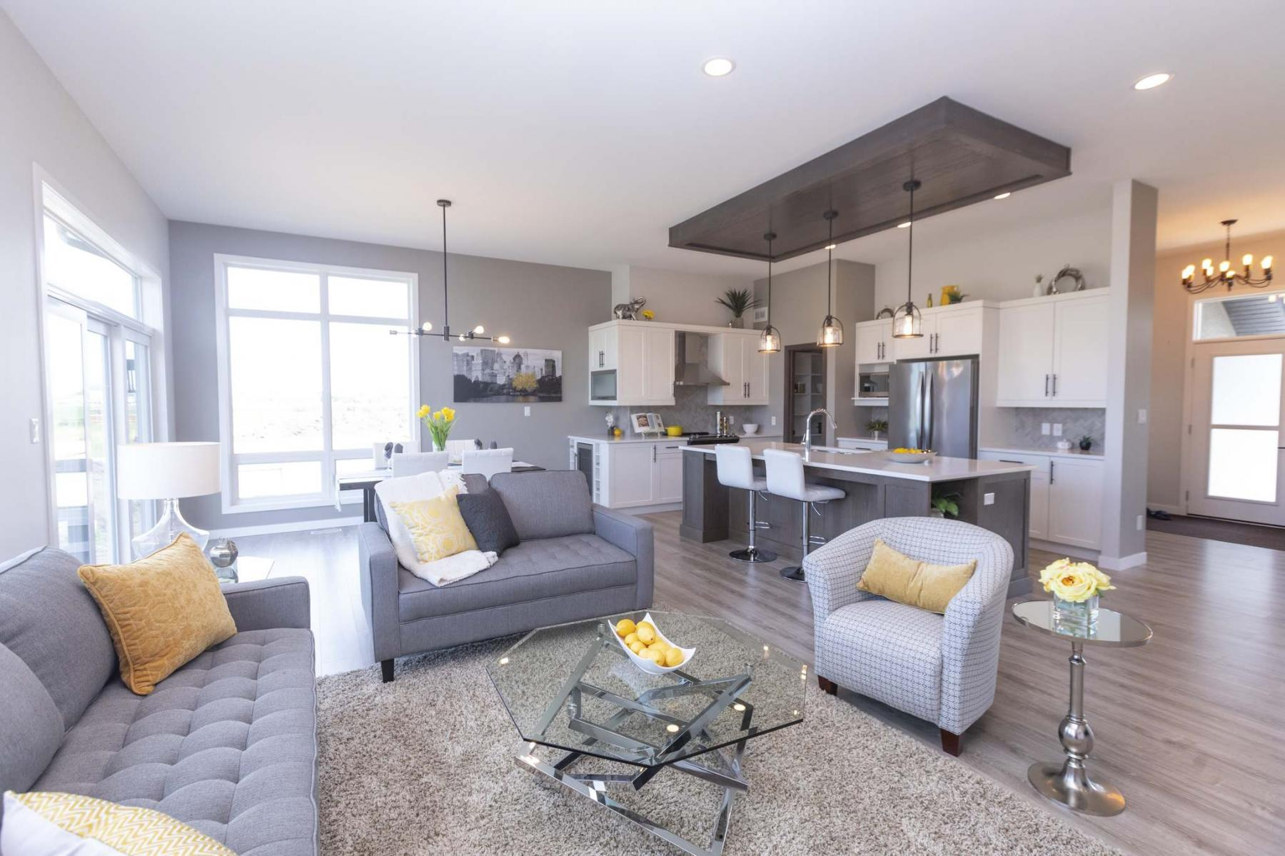 <p>SASHA SEFTER / WINNIPEG FREE PRESS</p><p>The bright and spacious great room of a new show home located at 22 Southdown Lane in Headingley. The master suite is set off to the right, while the house's left wing holds two bedrooms and a four-piece bath.</p></p>