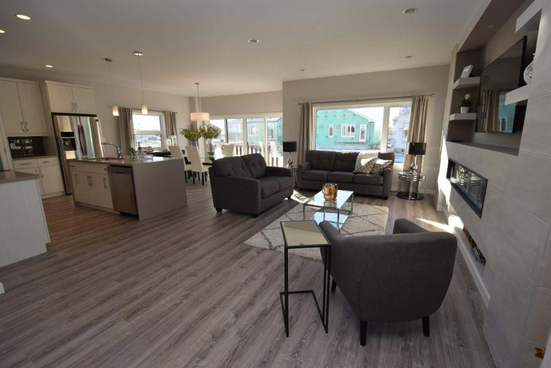 Design delivers ample space for families - Winnipeg Free