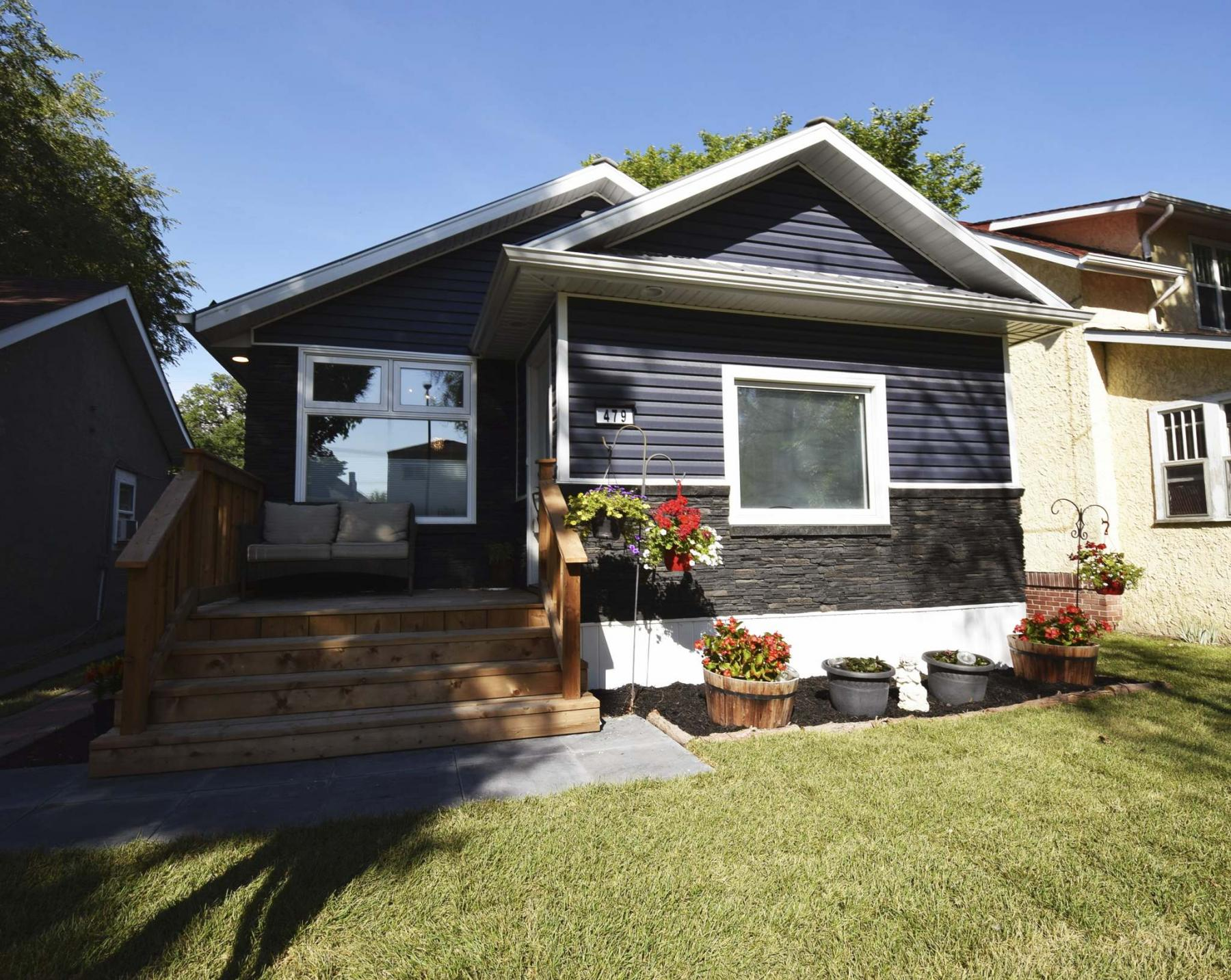 <p>Photos by Todd Lewys / Winnipeg Free Press</p><p>This charming three-bedroom bungalow in St. Boniface features a low-maintenance exterior with loads of curb appeal.</p></p>