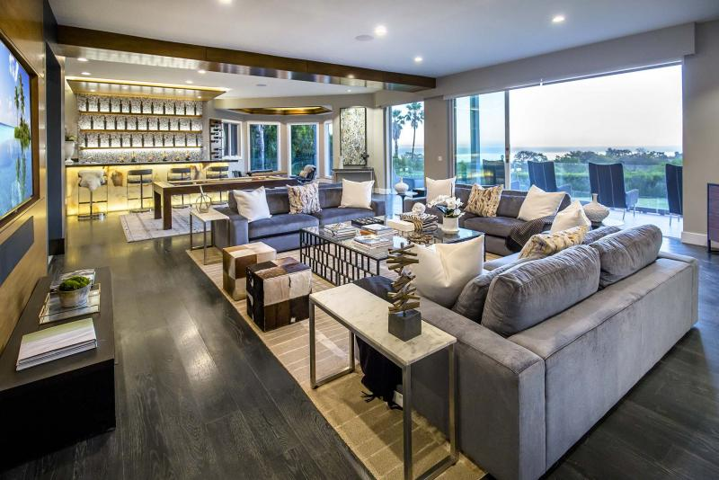 <p>Hilton & Hyland / TRIBUNE NEWS SERVICE</p><p>Comedian Russell Peters has reduced the price of his Malibu home to US$8.8 million.</p>