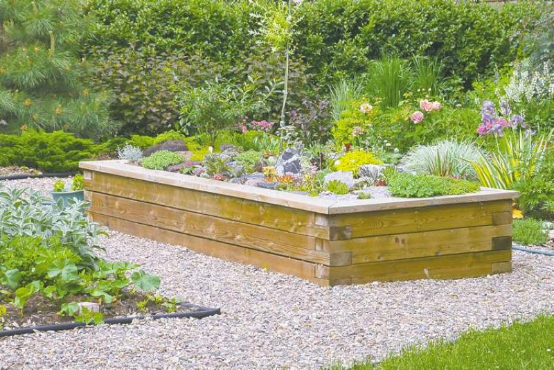 Constructed From Cedar, This Sturdy Raised Bed ...