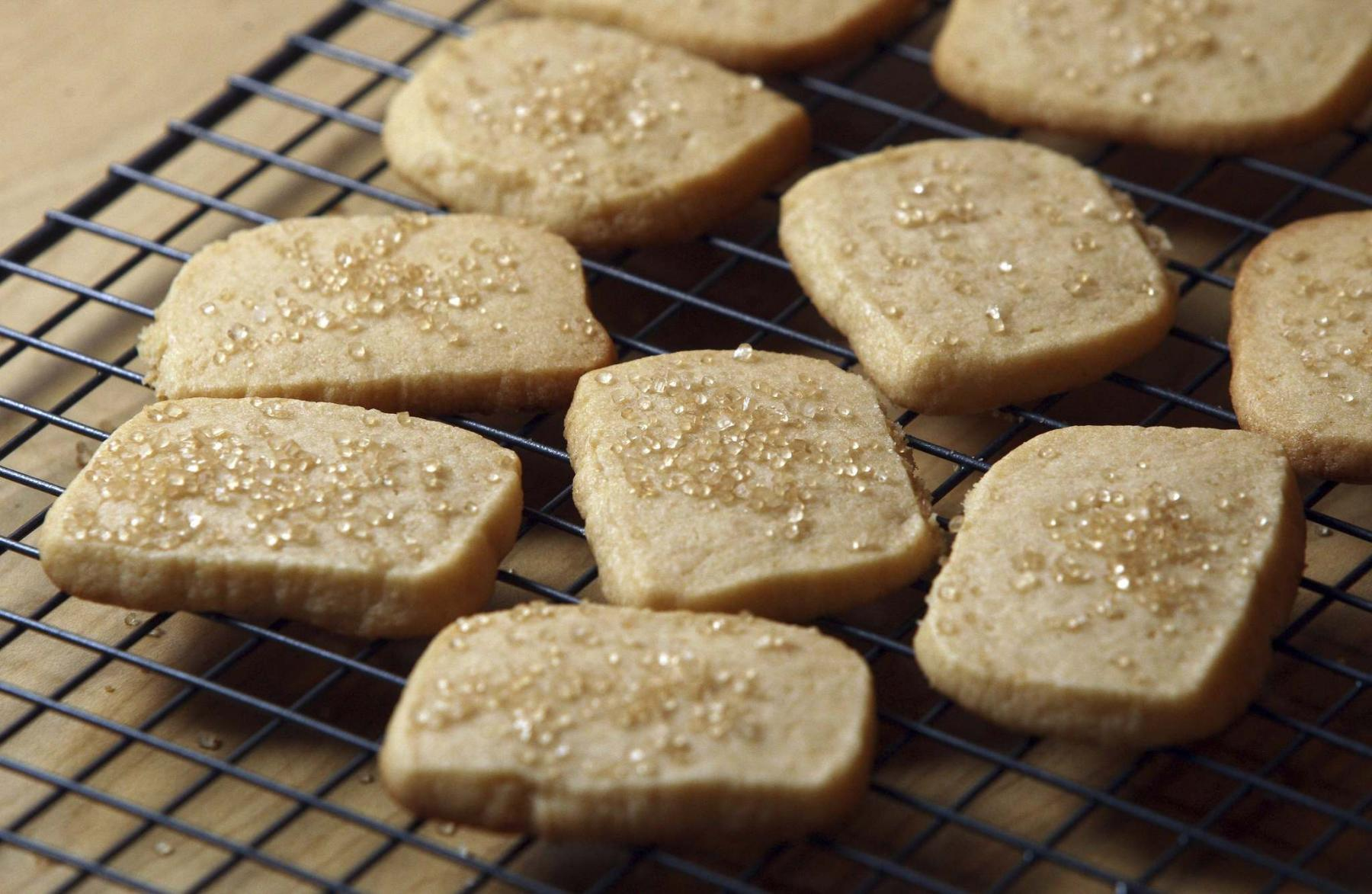 <p>BORIS MINKEVICH / WINNIPEG FREE PRESS files</p><p>If shortbread cookies become soggy after freezing heat them up in the oven for a few minutes so they become crispy again. </p>