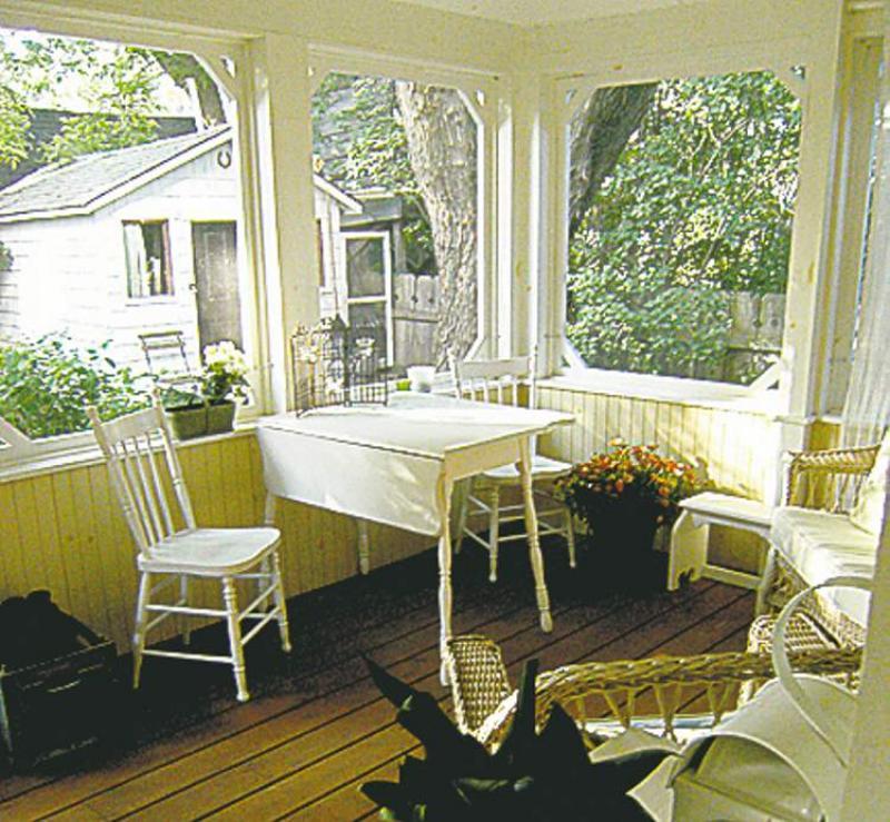 Cozy Cottage Comforts Winnipeg Free Press Homes