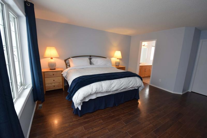 <p>Todd Lewys / Winnipeg Free Press</p><p>The house includes a huge picture window on the master suite's front wall.</p>