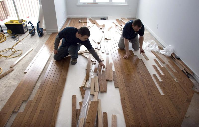 <p>PAT McGRATH / CANADIAN PRESS FILES</p><p>When seeking out contractors to tackle home renovations, there are many factors to keep in mind before settling on a person or a price tag.</p></p>
