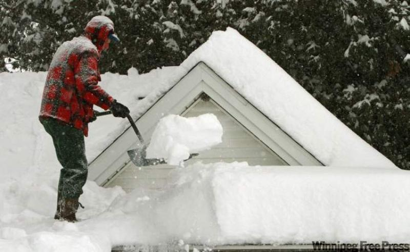 Ask The Inspector Removing Snow From Roof A Good Idea