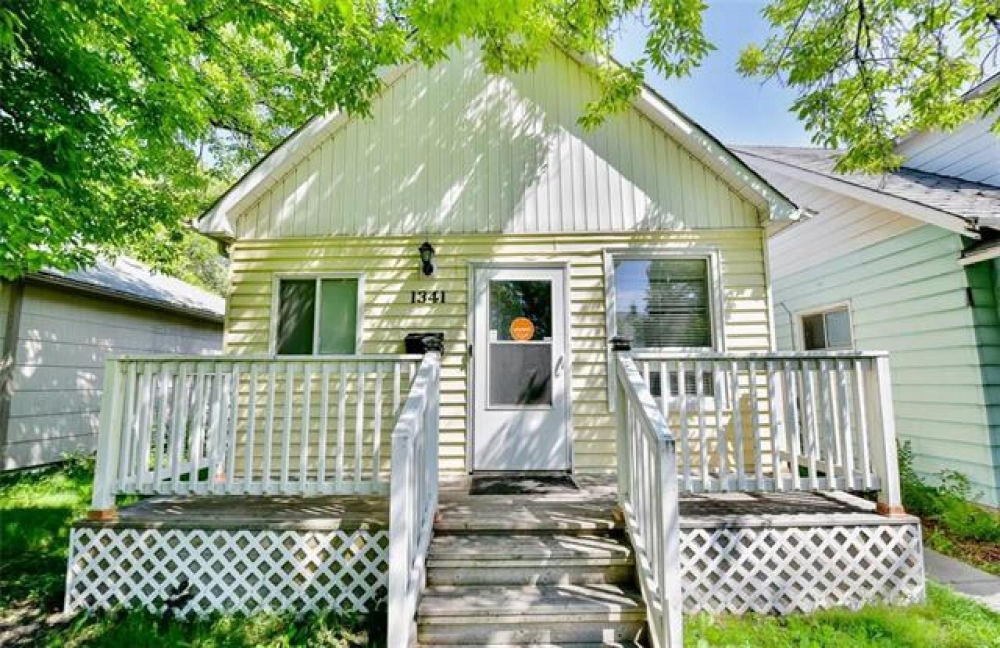 Pleasant 1341 Manitoba Avenue R2X 0L1 2 Bedroom For Sale North West Complete Home Design Collection Barbaintelli Responsecom