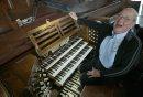 Organist Barry ...