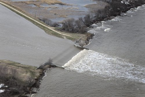 MIKE.DEAL@FREEPRESS.MB.CA 110512 - Thursday, May 12, 2011 -  Flood Flight Water from the Portage Diversion spills into Lake Manitoba. MIKE DEAL / WINNIPEG FREE PRESS