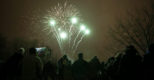 A New Years Eve fireworks display at The Forks to celebrate the coming new year, 2012. 111231 - Saturday, December 31, 2011 -  (MIKE DEAL / WINNIPEG FREE PRESS)