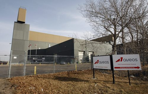 Aveos Fleet Performance  has closed it Wpg plant putting   350 workers out of work at the aircraft maintenance plant  KEN GIGLIOTTI  / WINNIPEG FREE PRESS  / MARCH 19 2012