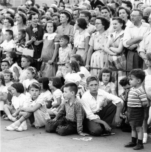 Winnipeg Free Press Archives July 26, 1954 Red River Exhibition Parade Crowd at Kennedy and Portage Ave.