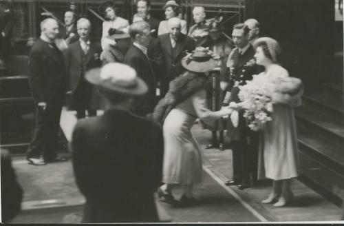 Winnipeg Free Press Archives Royal Visit 1939  (14)  King George VI and Queen Elizabeth in the Manitoba Legislative Chamber. High Moments in Royal Visit for Winnipeggers May 25, 1939 fparchive