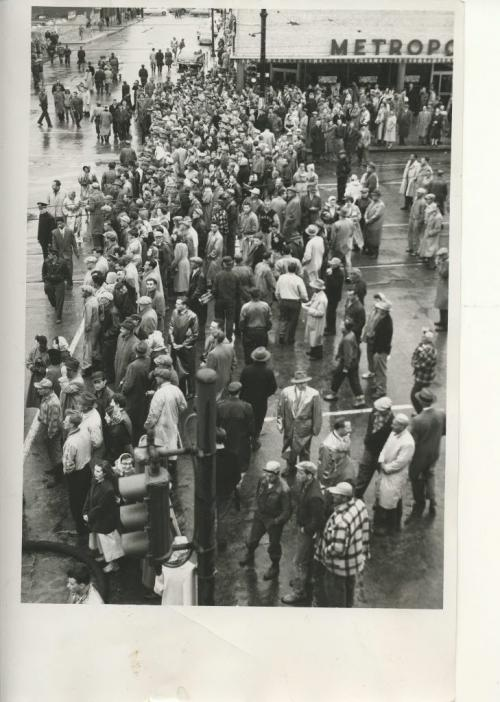 Winnipeg Free Press Archives Time Building Fire  (06) June 8, 1954    Flames Race With Lightening Speed To Additional Targets Here is part of the crowd of thousands of Winnipeggers who lined, downtown streets to watch the fire. fparchive