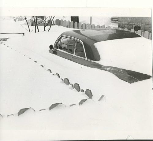 Gerry Cairns/Winnipeg Free Press Archives Winnipeg Blizzard (23) March 5, 1966 car, Wolseley Street fparchive
