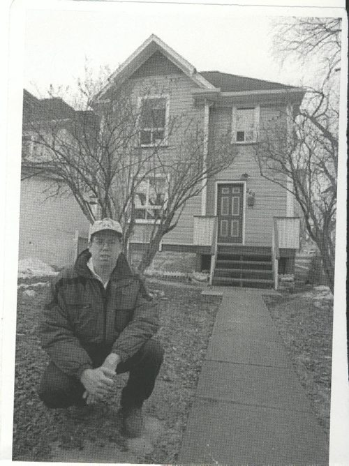 Ken Gigliotti/ Winnipeg Free Press Winnipeg Blizzard (32) March 4, 2000   Where has winter gone? What a difference 34 years makes. In 1966, (left), pedestrians had to don skis to move on Spence Street. Yesterday, Glen Armstrong (above) is at the same house, and the winter's snow is almost a memory. fparchive