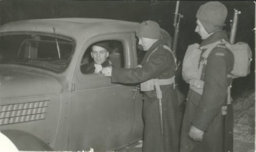 Winnipeg Free Press Archives If Day - World War II - (6) February 19, 1942 They defended Winnipeg against Mock Nazi Blitz fparchive