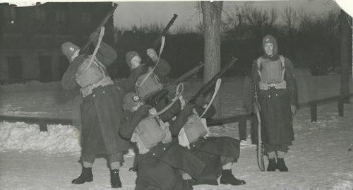 Winnipeg Free Press Archives If Day - World War II - (9) Feb. 19, 1942 They defended Winnipeg against Mock Nazi Blitz fparchive