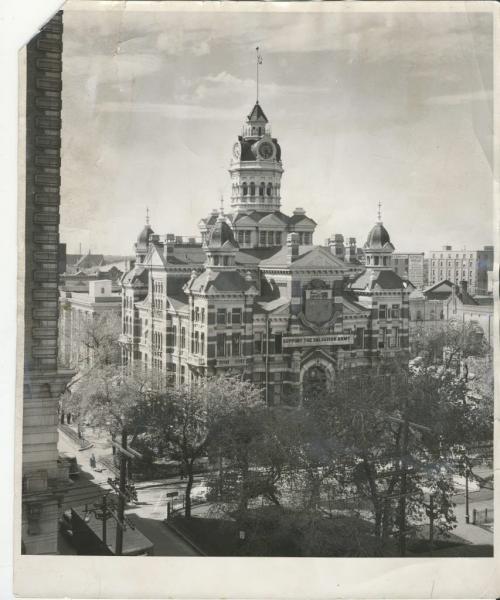 Winnipeg Free Press Archives  Winnipeg Old City Hall (14) May 22, 1975 City Hall May Be Padlocked  fparchive
