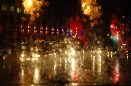 STDUP Weather -Light rain is falling  in Wpg this morning , no snow yet ,  and mixture of rain and snow expected today , with winter storm warning for areas outside of the city - kg2012yearend KEN GIGLIOTTI  / WINNIPEG FREE PRESS  /  OCT. 4 2012