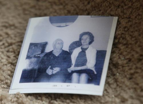 Pictures of her great-aunt Edith Smallpiece, right  in photo  who was believed to have been murdered on Feb 23, 1973- To this date it is a cold case in the Winnipeg Police Service's homicide list- See Dave Baxter story- December 06, 2012   (JOE BRYKSA / WINNIPEG FREE PRESS)