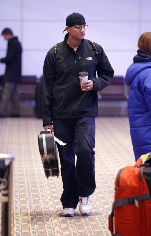 Toronto Blue Jays', Brett Cecil, at James Armstrong Richardson Airport, January 5, 2013. Winnipeg is one of the stops on the 3rd Annual Toronto Blue Jays Winter Tour. (TREVOR HAGAN/WINNIPEG FREE PRESS)