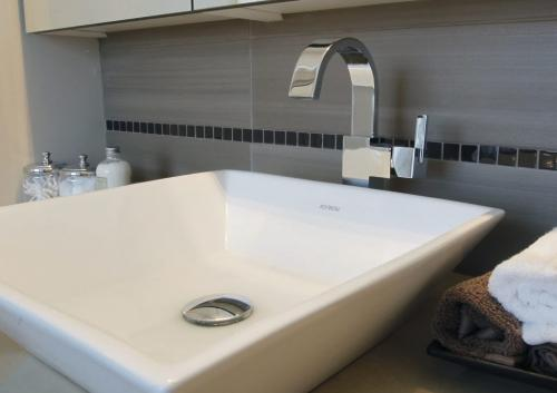 bathroom sinks winnipeg the winnipeg free press 11512